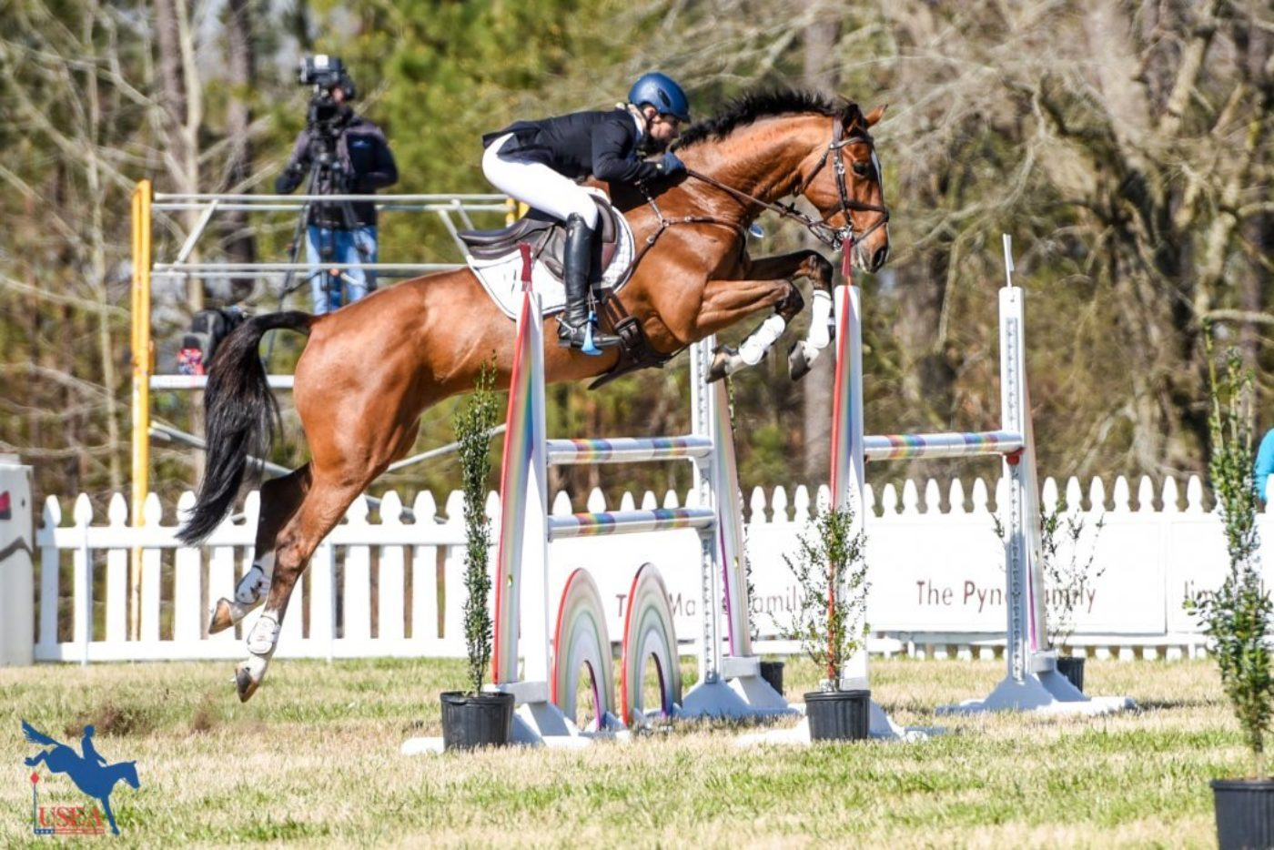 4th - Liz Halliday-Sharp and Deniro Z
