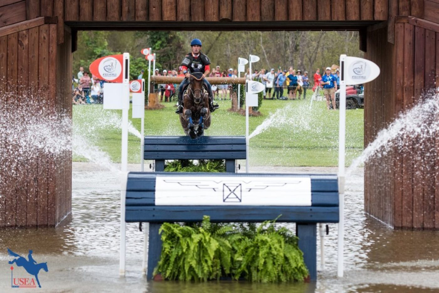 The water fountains certainly didn't faze this pair. USEA/Leslie Mintz Photo.
