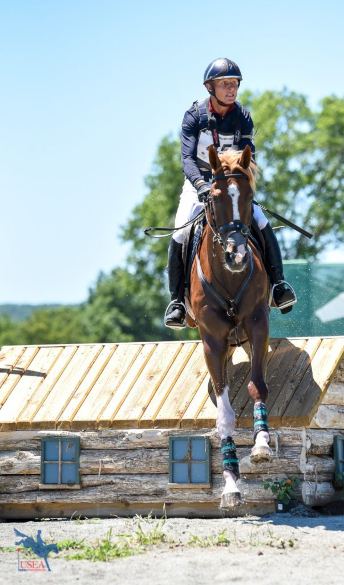 Leslie Law and Voltaire de Tre focused on the next fence. USEA/Jessica Duffy Photo.